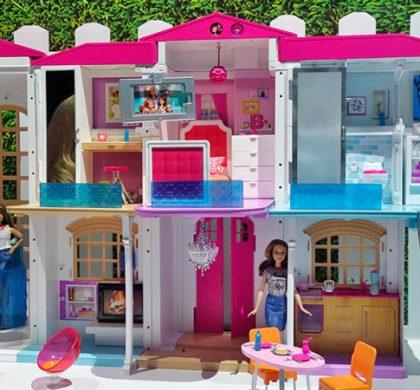 Te aseguro que querrás vivir en la casa inteligente de la Barbie