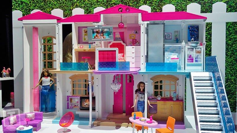 foto interior casa inteligente de la Barbie