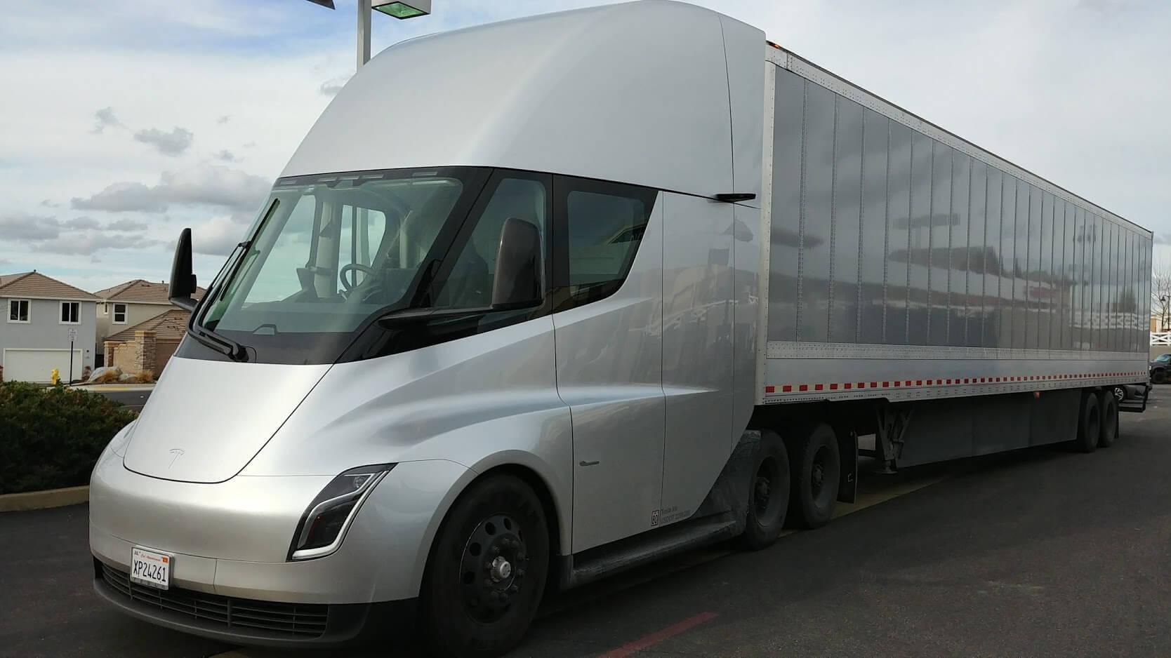 camiones autónomos Tesla Semi